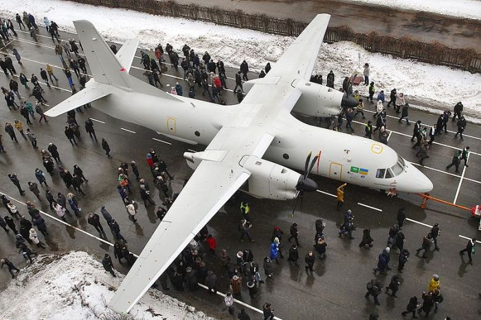 overhead_view_of_the_antonov_an-132d
