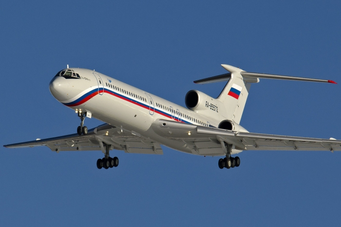 tupolev_tu-154b-2_ra-85572_on_final_approach_at_chkalovsky_airport