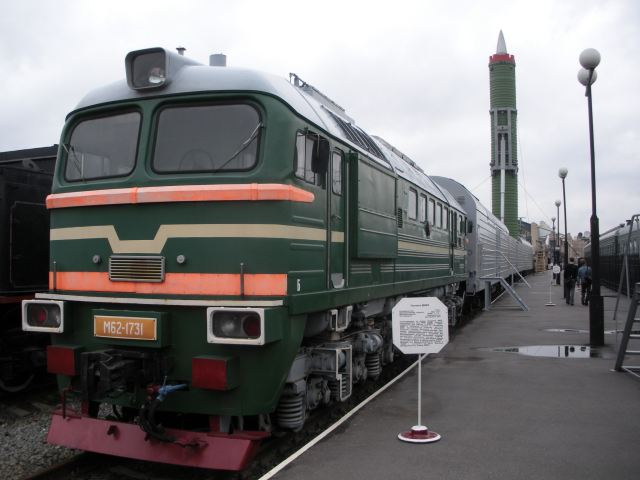 Russia_has_developed_new_railway_missile_complex_Barguzin_able_to_tow_up_to_six_Yars_missiles_640_001
