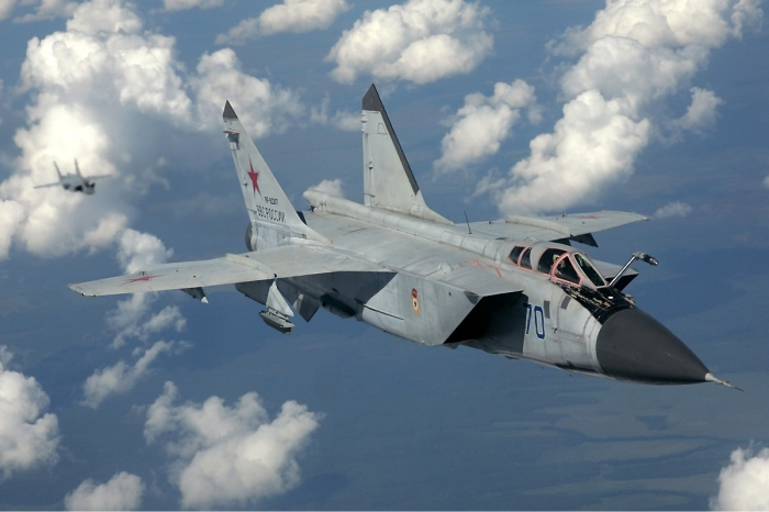 Russian_Air_Force_MiG-31_inflight_Pichugin