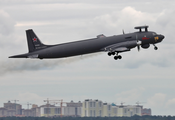Russian_Navy_Ilyushin_Il-38N_taking_off_at_Zhukovsky