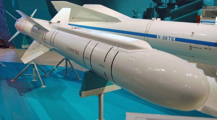 Kh-38_in_maks2009