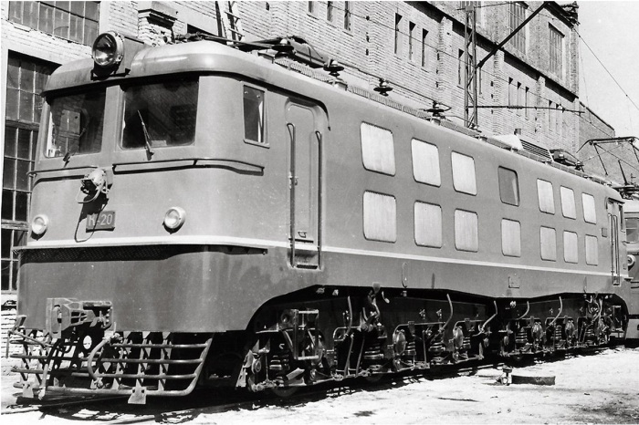 Soviet_electric_locomotive_K-20