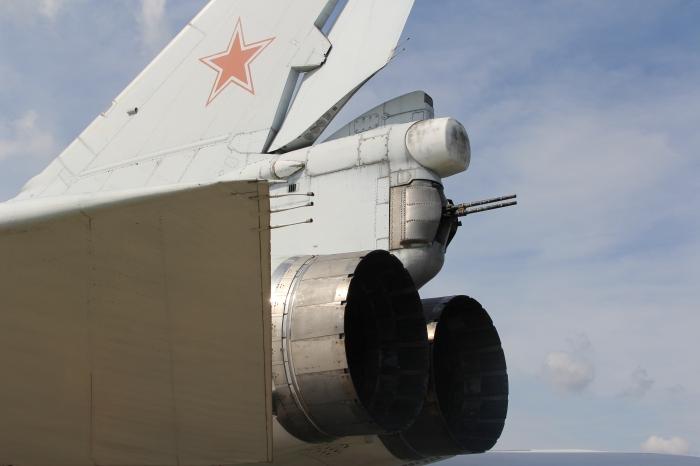 Tupolev_Tu-22m,_NATO__Backfire__(8911304464)_(2).jpg