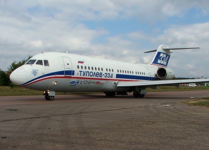 Tupolev_Tu-334_at_MAKS-2007_airshow_(2).jpg